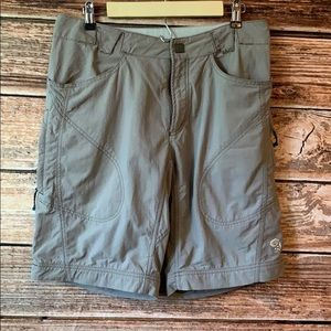 Mountain Hardwear• Outdoor Shorts In Khaki